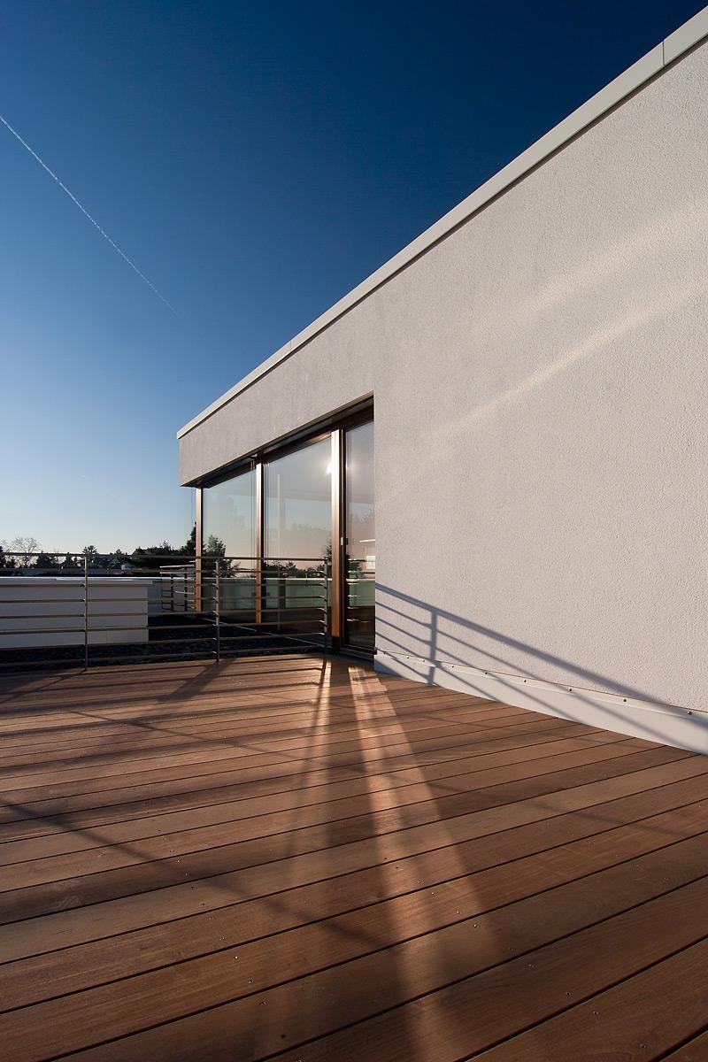 107 mehrfamilienhaus am hang ffm architekten. Black Bedroom Furniture Sets. Home Design Ideas
