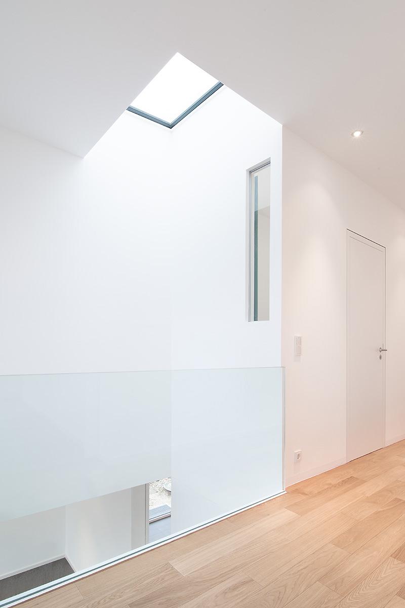 189 wohnhaus v r die wei e stadt ffm architekten. Black Bedroom Furniture Sets. Home Design Ideas