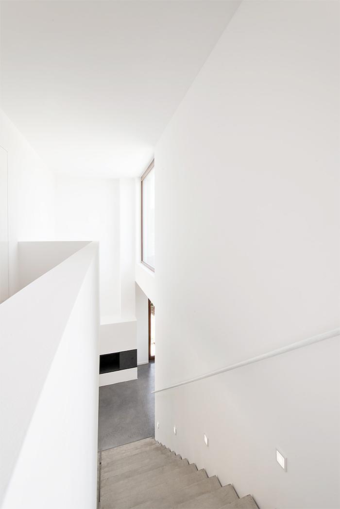 131029_192_wohnhaus_w_innen_treppe
